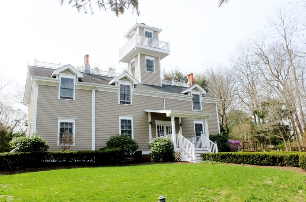 entracing hickory home and garden hickory north carolina. Originally built in the mid 1800 s as a lighthouse on hill eastern  Middletown border this house exudes charm and personality From entrancing Entertaining food for thought